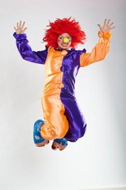 Боня - клоун на день рождения