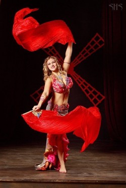 Даная - танец живота