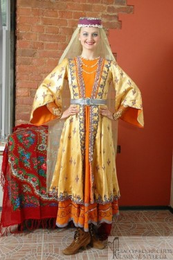 Женский армянский костюм