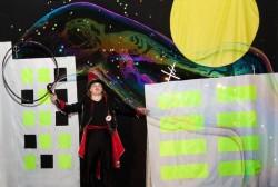 Павел Зыкин - шоу мыльных пузырей и магических зонтиков