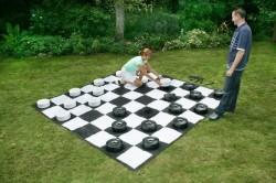 Аттракцион «Гига шашки»