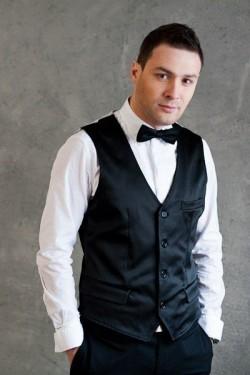 Ведущий Игорь Антонов