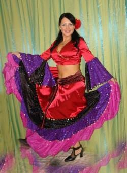 Женский цыганский костюм