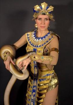 Шоу с питоном Клеопатра