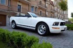Кабриолет Ford Mustang Cabrio