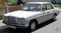 Ретроавтомобиль Мерседес W115