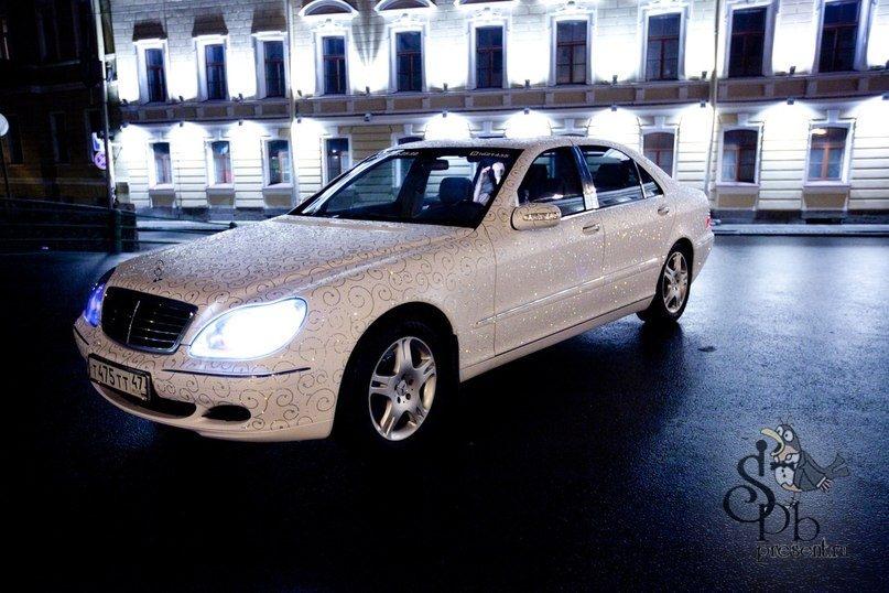 Mercedes инкрустированный стразами Swarovski