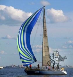 Большая парусная яхта
