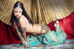 Аяна – исполнительница восточных танцев