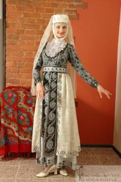 Женский грузинский костюм