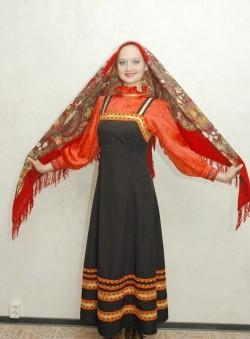 Женский молдавский костюм
