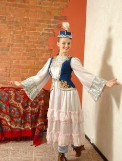 Женский туркменский костюм